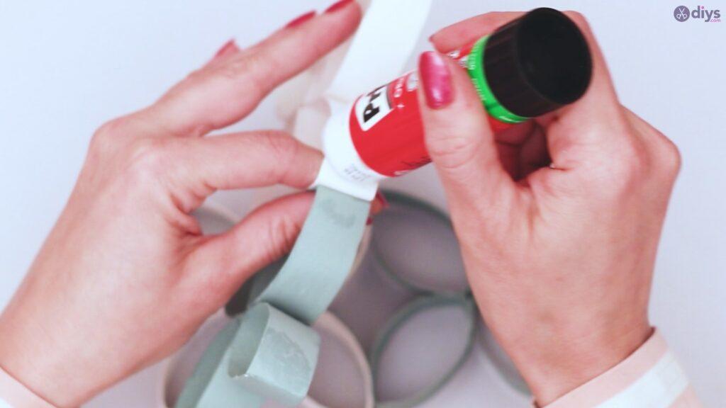 Projet de bricolage de décoration murale rouleau de papier toilette (44)
