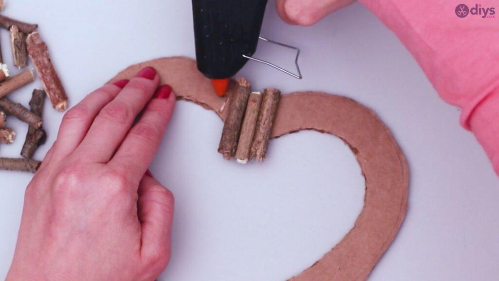 Déco murale coeur brindille rustique (16)
