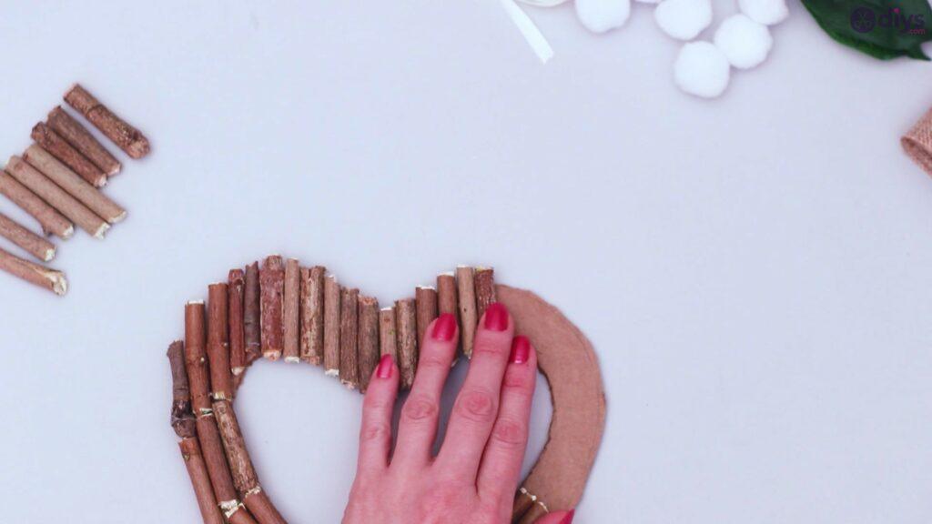 Déco murale coeur brindille rustique (24)