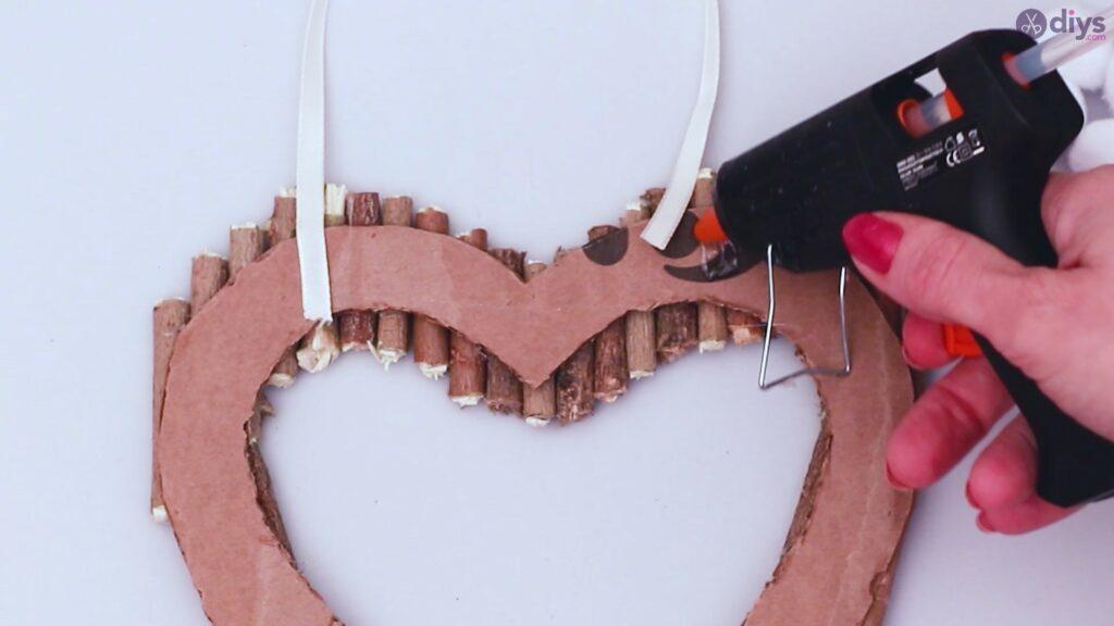 Déco murale coeur brindille rustique (35)