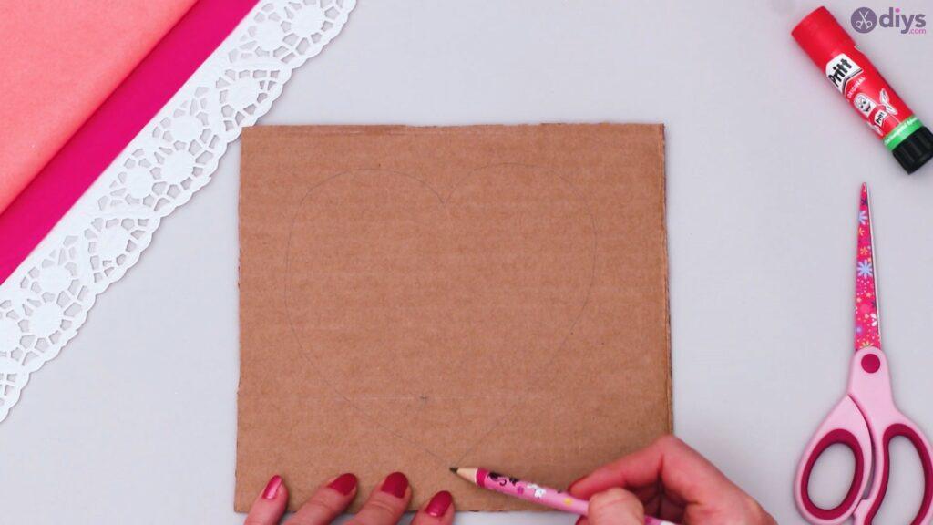 Bricolage coeur bouffi en papier de soie étape 1 (1)