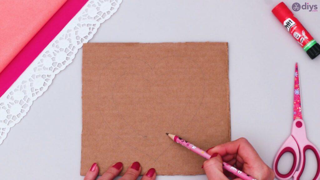 Bricolage coeur gonflé en papier de soie étape 1 (2)