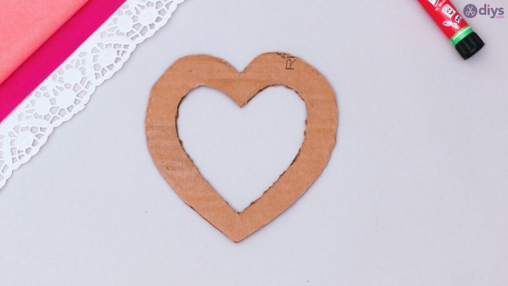 Bricolage coeur gonflé en papier de soie étape 1 (4)