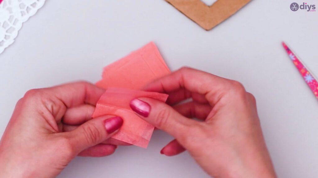 Bricolage coeur gonflé en papier de soie étape 1 (10)