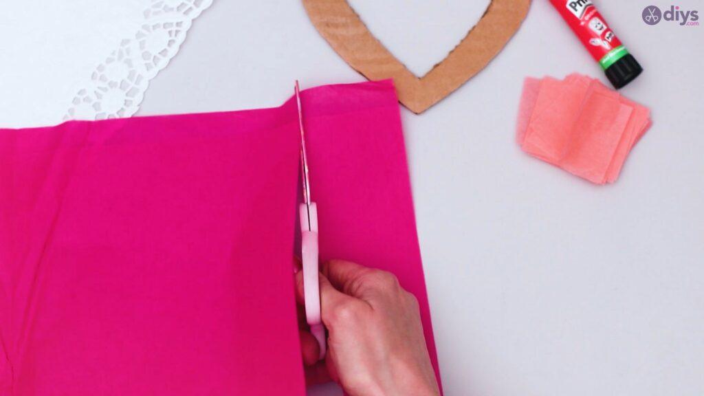 Bricolage coeur gonflé en papier de soie étape 1 (12)