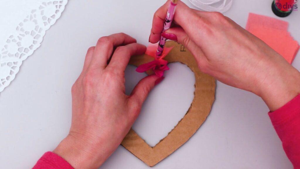 Papier de soie bricolage coeur gonflé étape 1 (18)