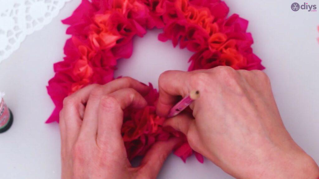 Papier de soie bricolage coeur gonflé étape 1 (25)