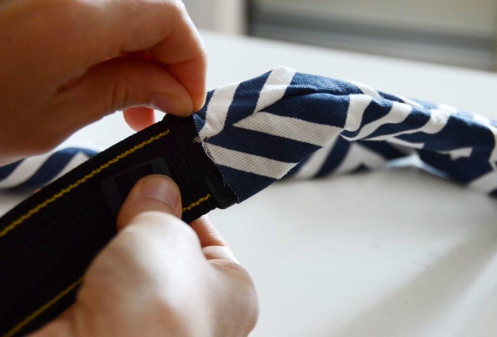 Slip du didacticiel de couture de courroie d'appareil photo