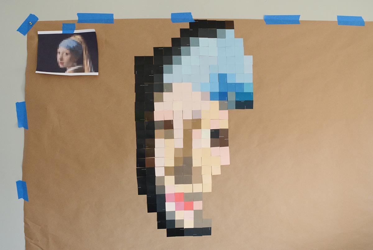 Paint Chip Girl avec une boucle d'oreille en perles 5