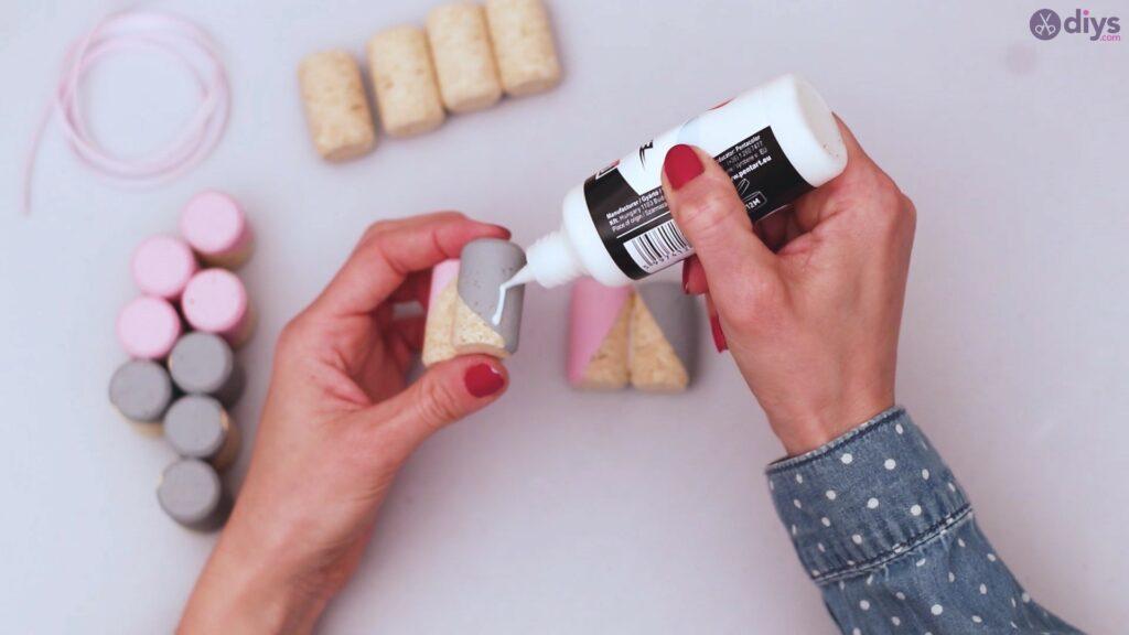 Support de téléphone portable en liège vin (15)
