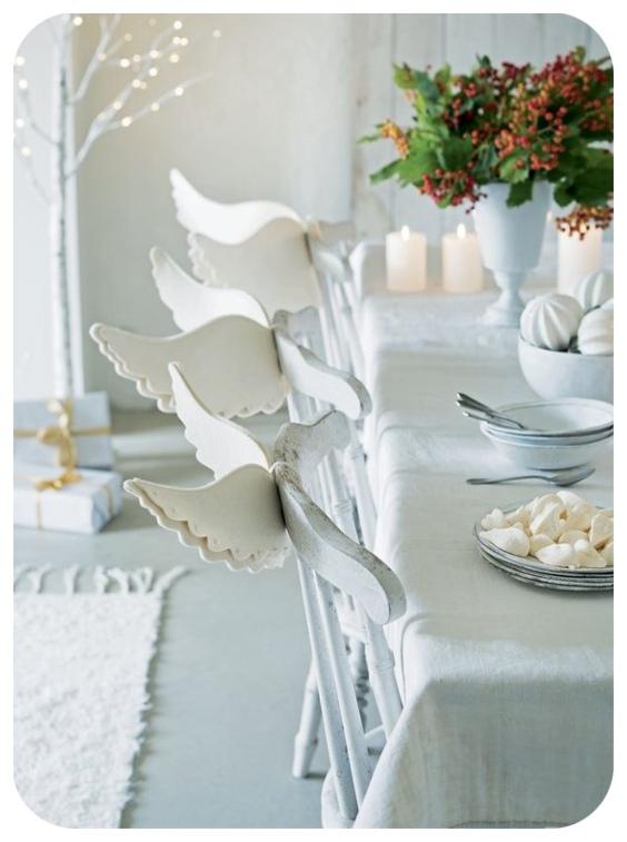 Chaises de décoration avec des ailes d'ange
