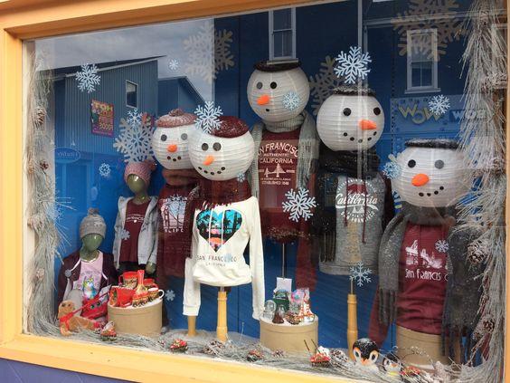 Décoration originale de vitrine de Noël