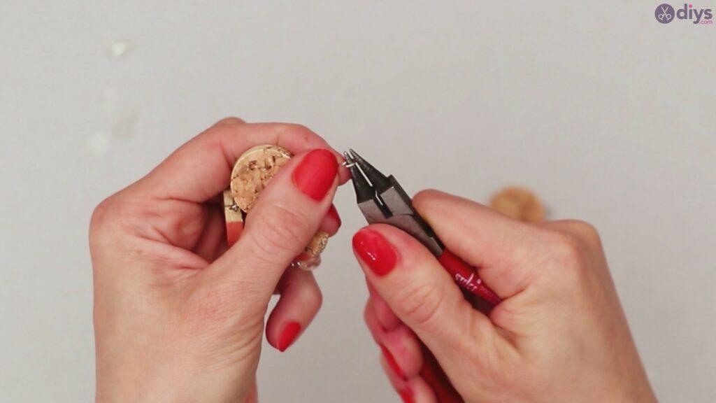 DIY collier de liège de vin (38)