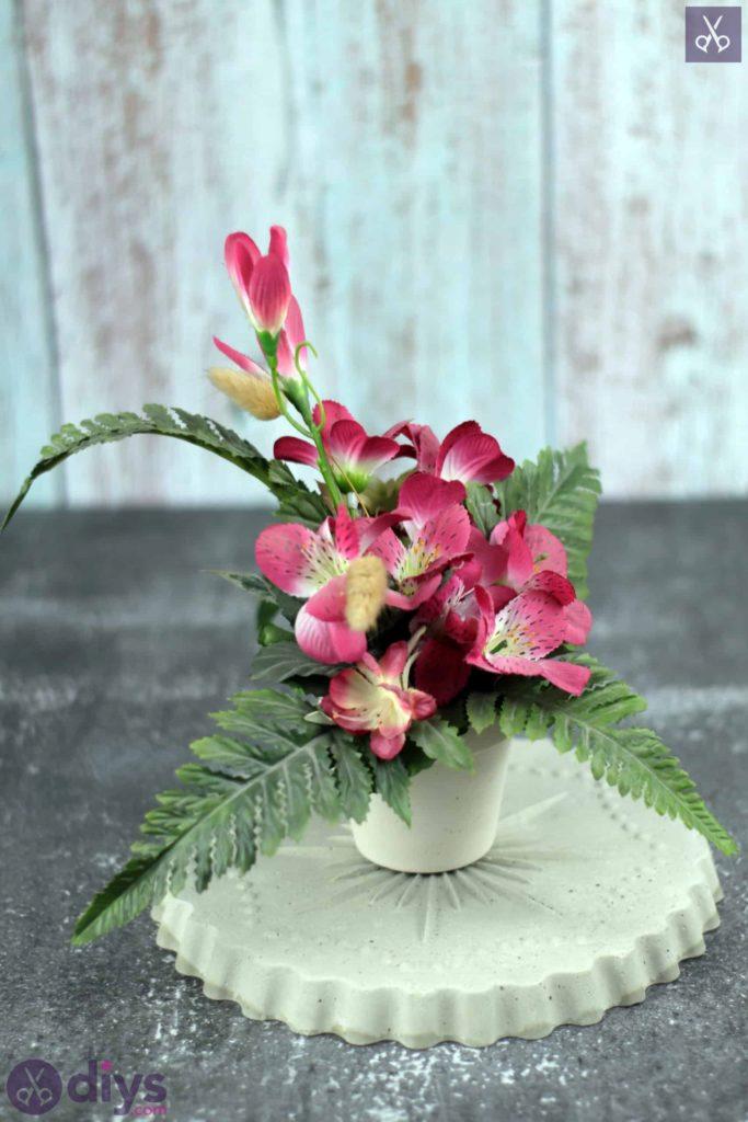 Support à fleurs en béton