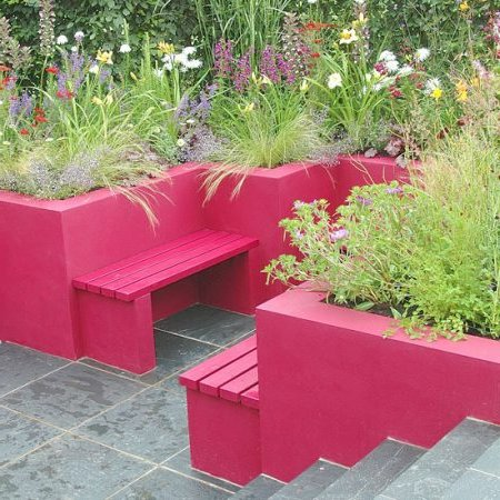 Murs de patio peints fuchsia