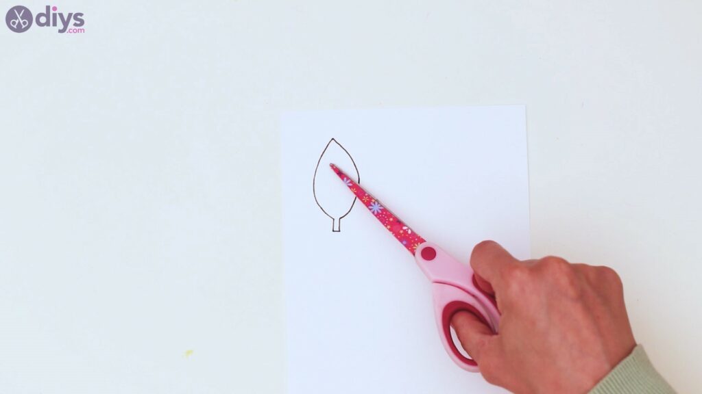 Étapes de guirlande de fleurs en papier (5)