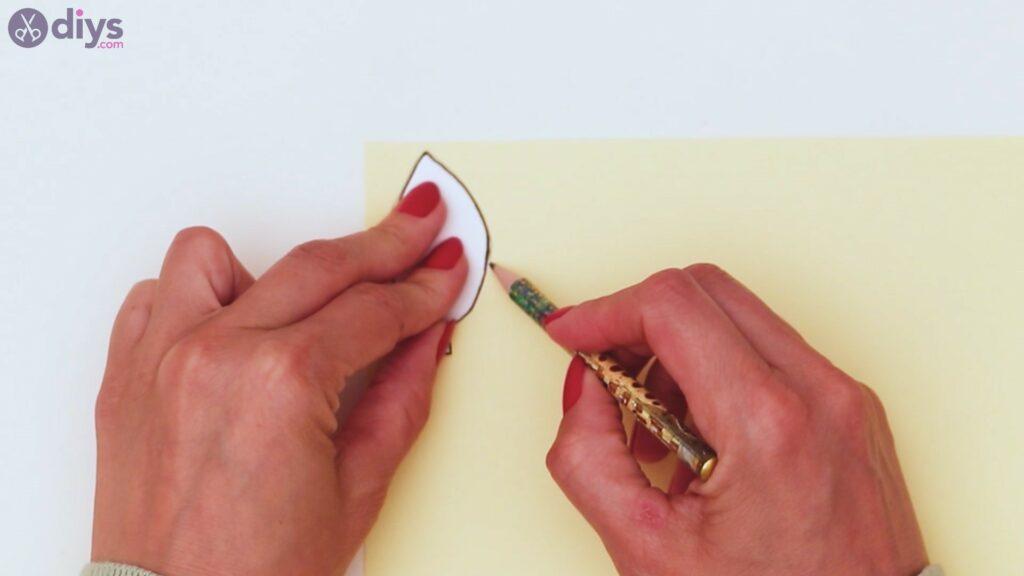 Étapes de guirlande de fleurs en papier (8)