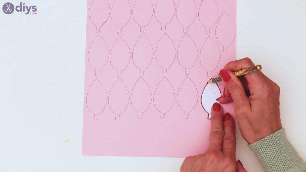 Étapes de guirlande de fleurs en papier (14)