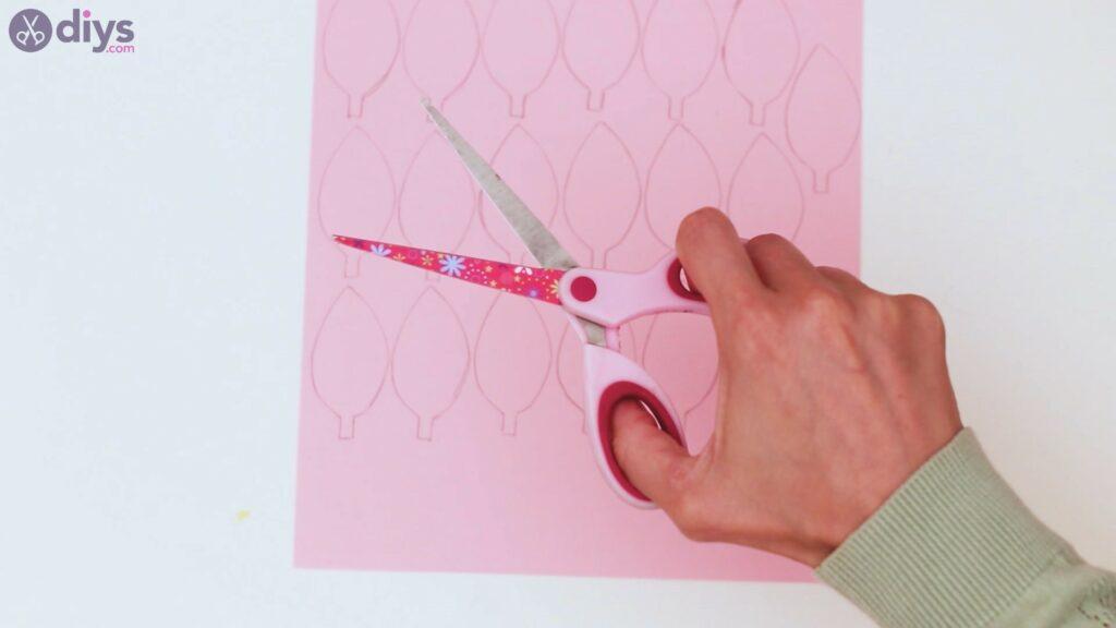 Étapes de guirlande de fleurs en papier (15)
