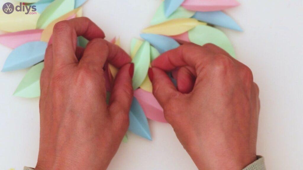 Marches de guirlande de fleurs en papier (31)