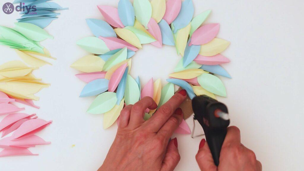 Marches de guirlande de fleurs en papier (29)