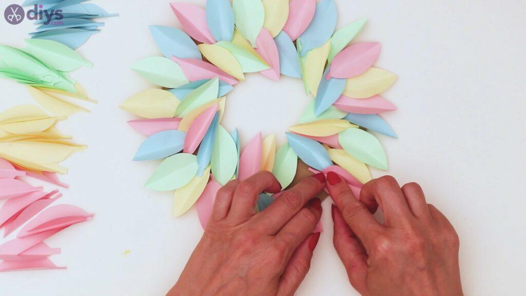 Marches de guirlande de fleurs en papier (30)