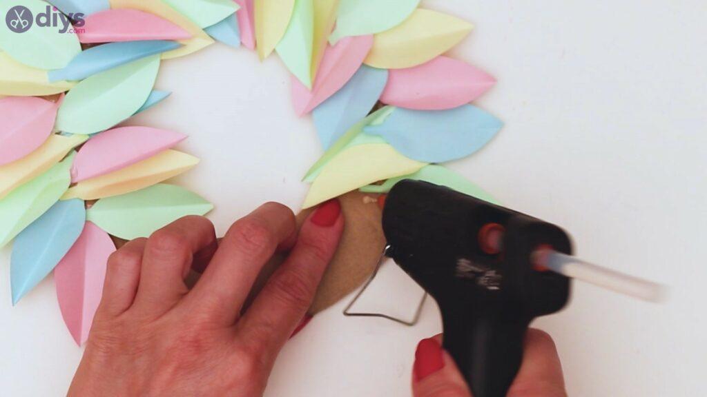 Marches de guirlande de fleurs en papier (27)