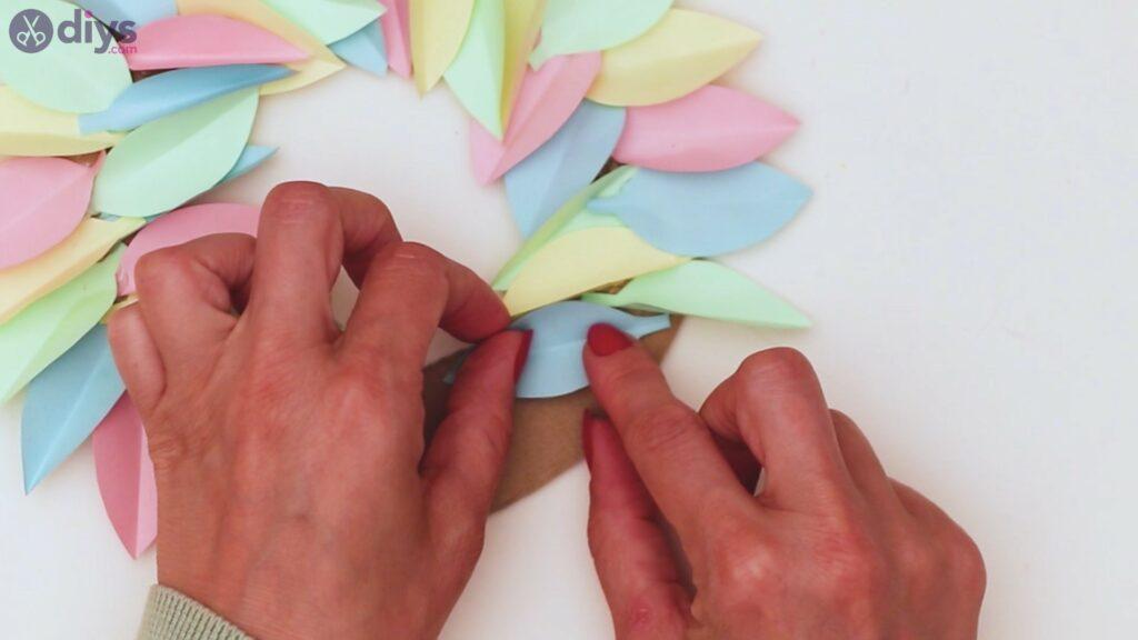 Marches de guirlande de fleurs en papier (28)