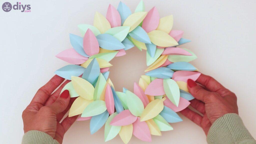 Marches de guirlande de fleurs en papier (36)