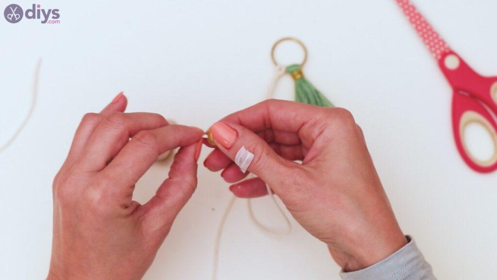 Marches de porte-clés en perles de bois (28)