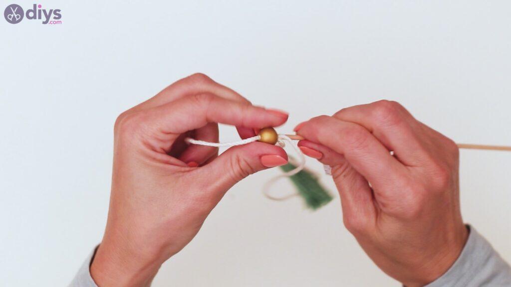 Étapes de porte-clés en perles de bois (30)