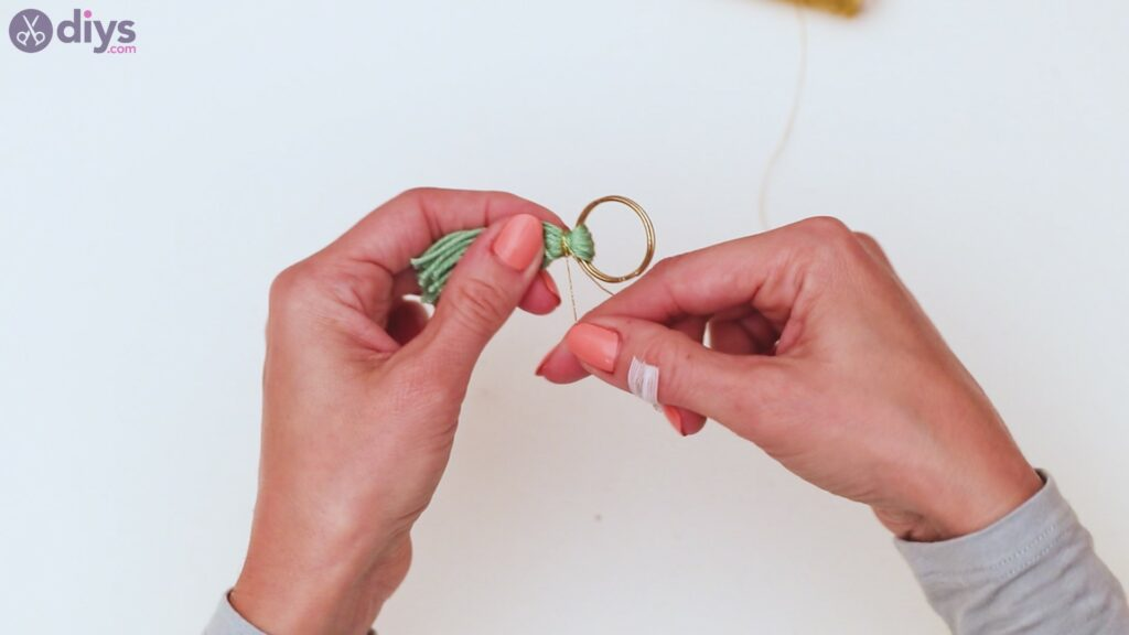 Étapes de porte-clés en perles de bois (20)