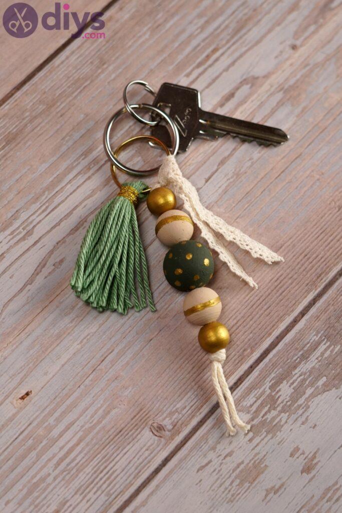 Photos de porte-clés en perles de bois (3)