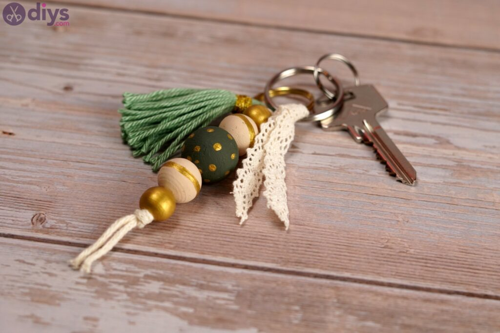 Photos de porte-clés en perles de bois (4)