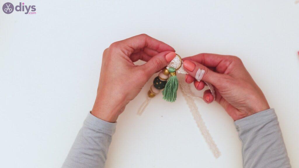 Marches de porte-clés en perles de bois (36)