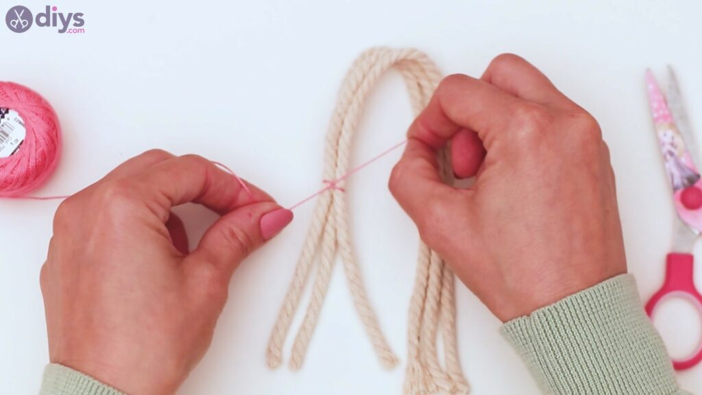 Étapes de porte-clés en textile (6)