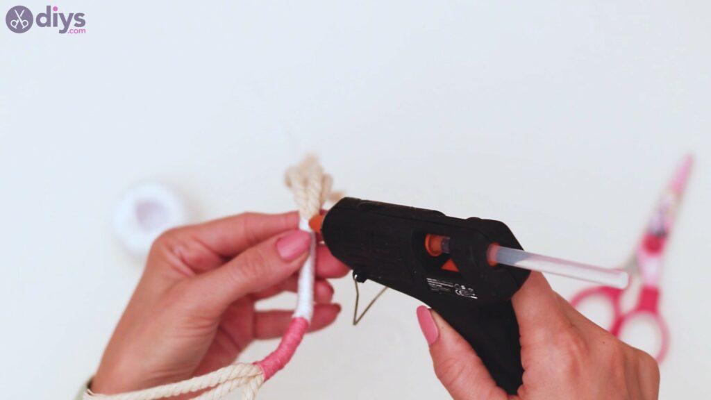 Étapes de porte-clés en textile (17)