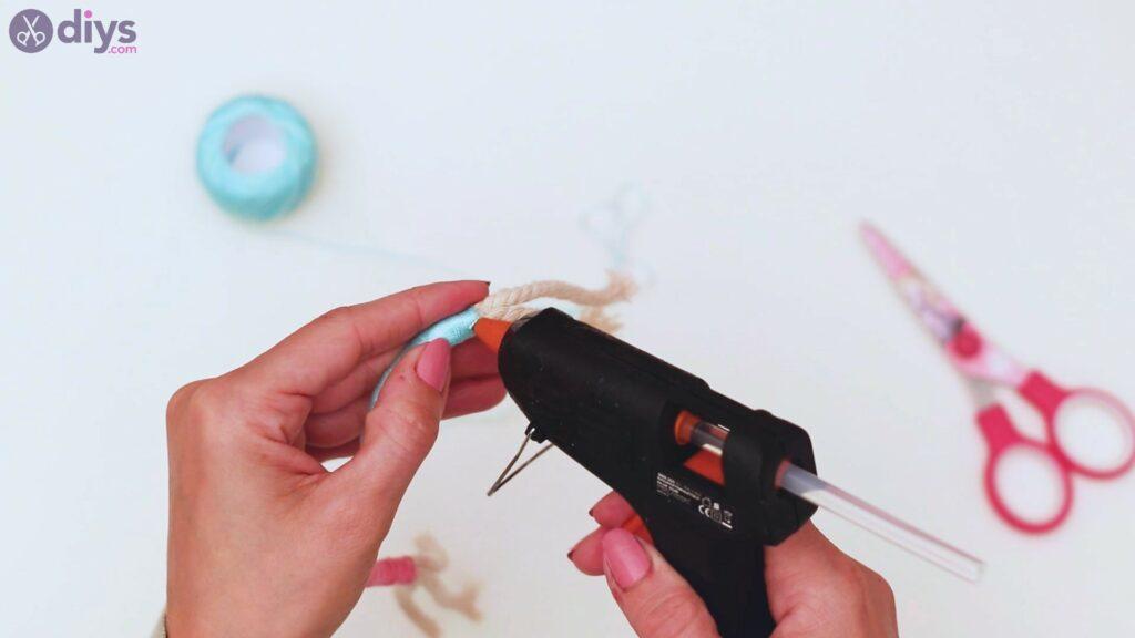 Étapes de porte-clés en textile (21)