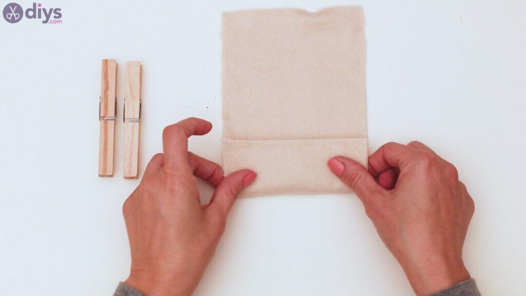 Étapes du porte-cartes en feutre (1)