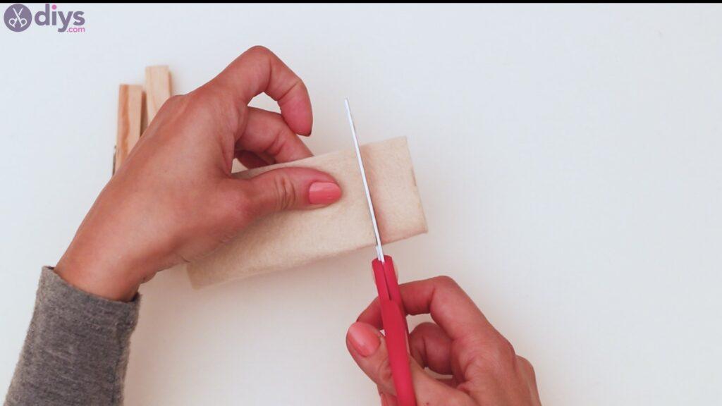 Étapes du porte-cartes en feutre (4)