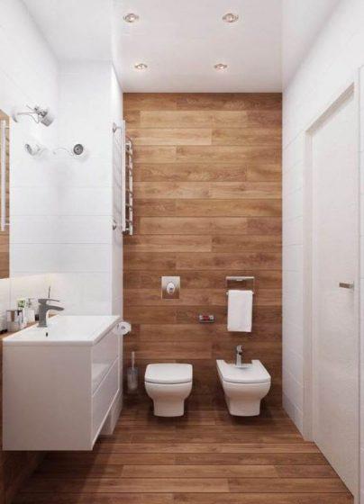Salle de bain en carrelage blanc et bois