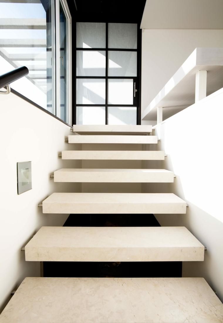 escaliers flottants en marbre