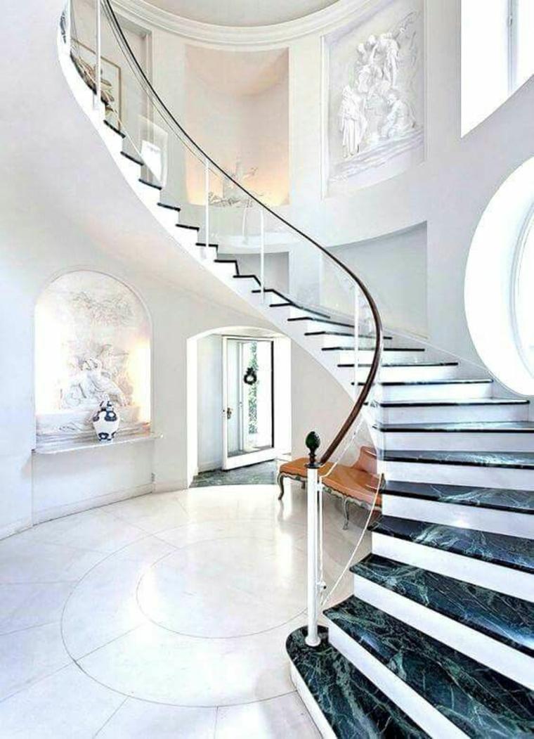 escalier courbe en marbre