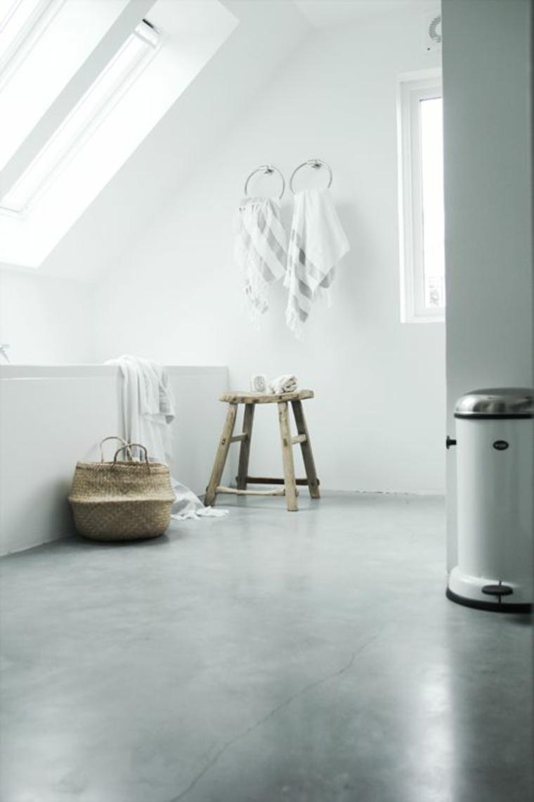 planchers de salle de bain