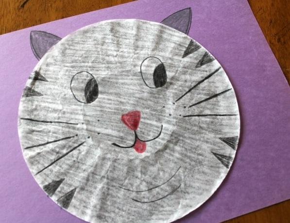Meilleur plat pour chat de la journée internationale de l'artisanat