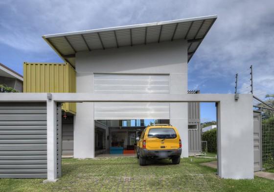 Façade de maison construite avec des conteneurs 002