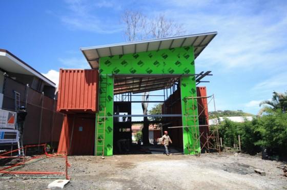 Construction d'une maison avec des conteneurs recyclés 002