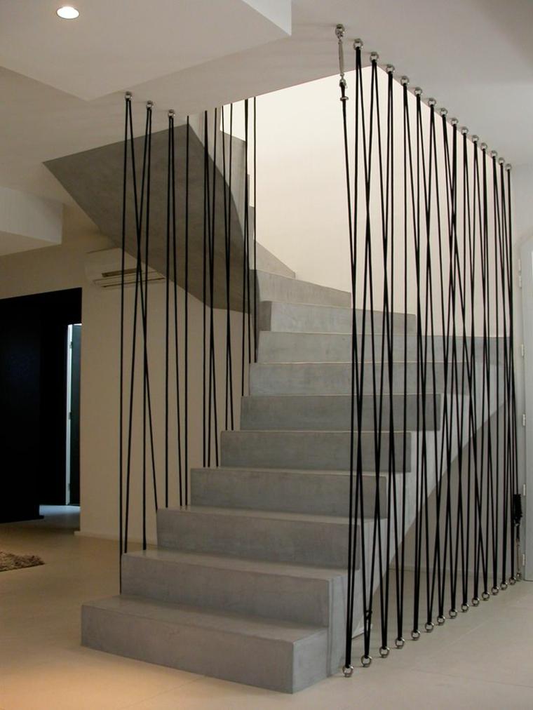 Garde-escalier décoratif avec lacets