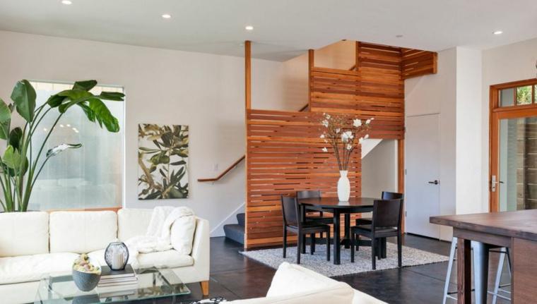 Paravent d'escalier en bois