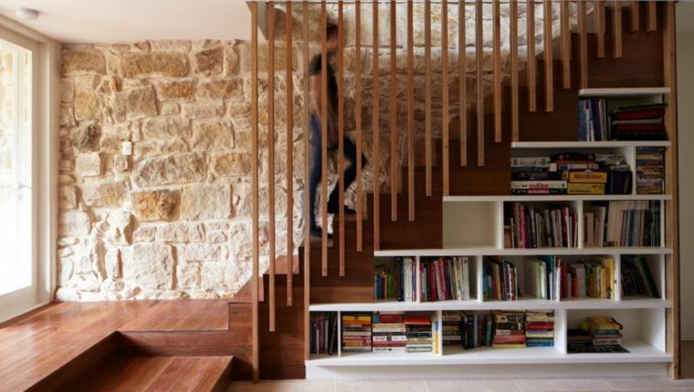 Conception de mur de rangement sous escalier